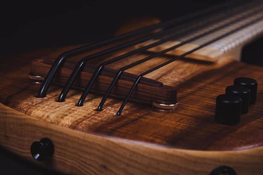Bass ukulele tuning