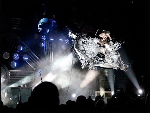 Travis Barker flying drum stage.
