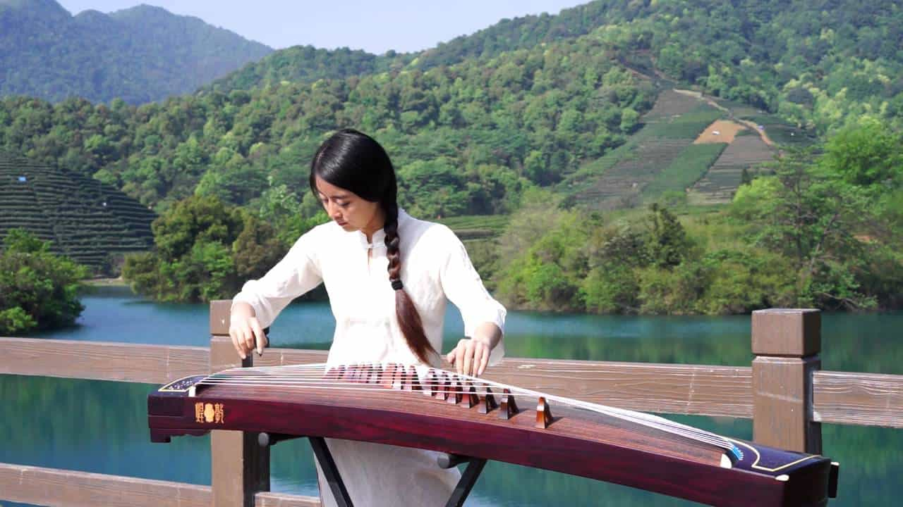 chinese string instrument guzheng