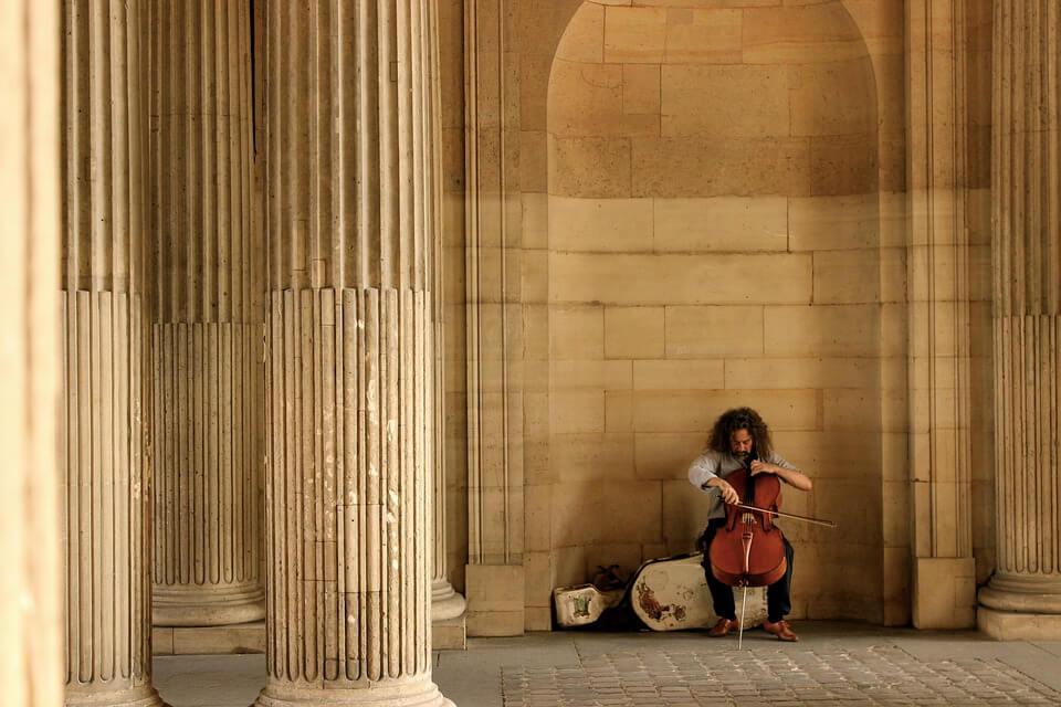 Cellist in Paris